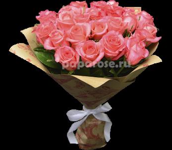 25 розовых роз в крафт-бумаге